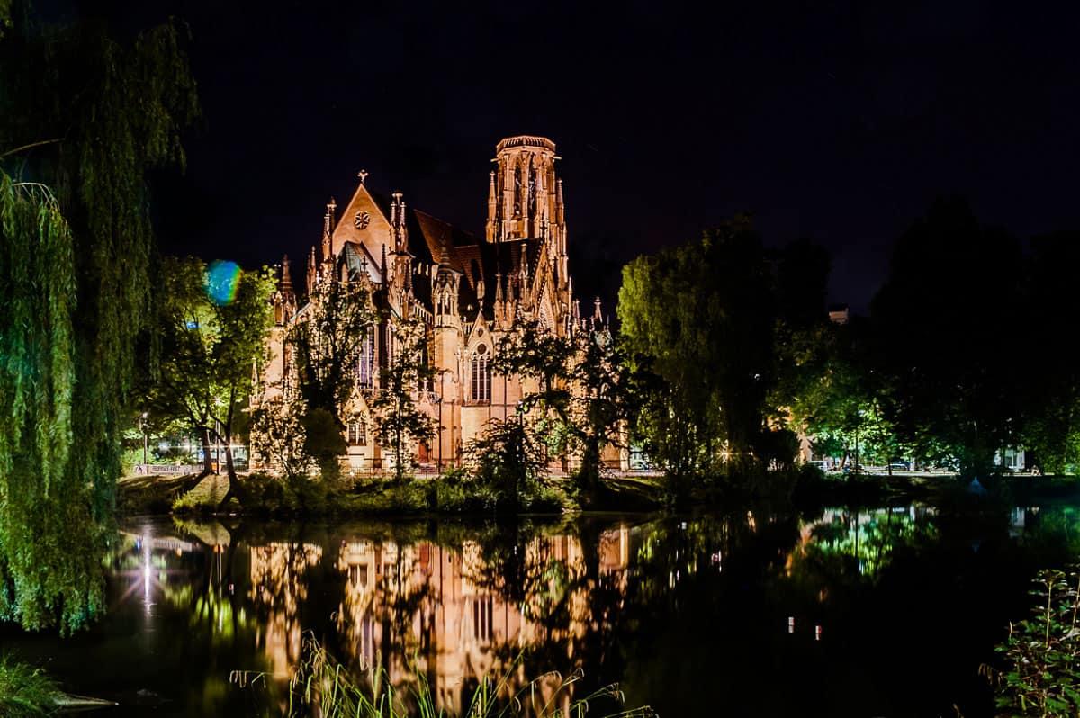 Nachtaufnahmen, Johhaneskirche Stuttgart Feuersee