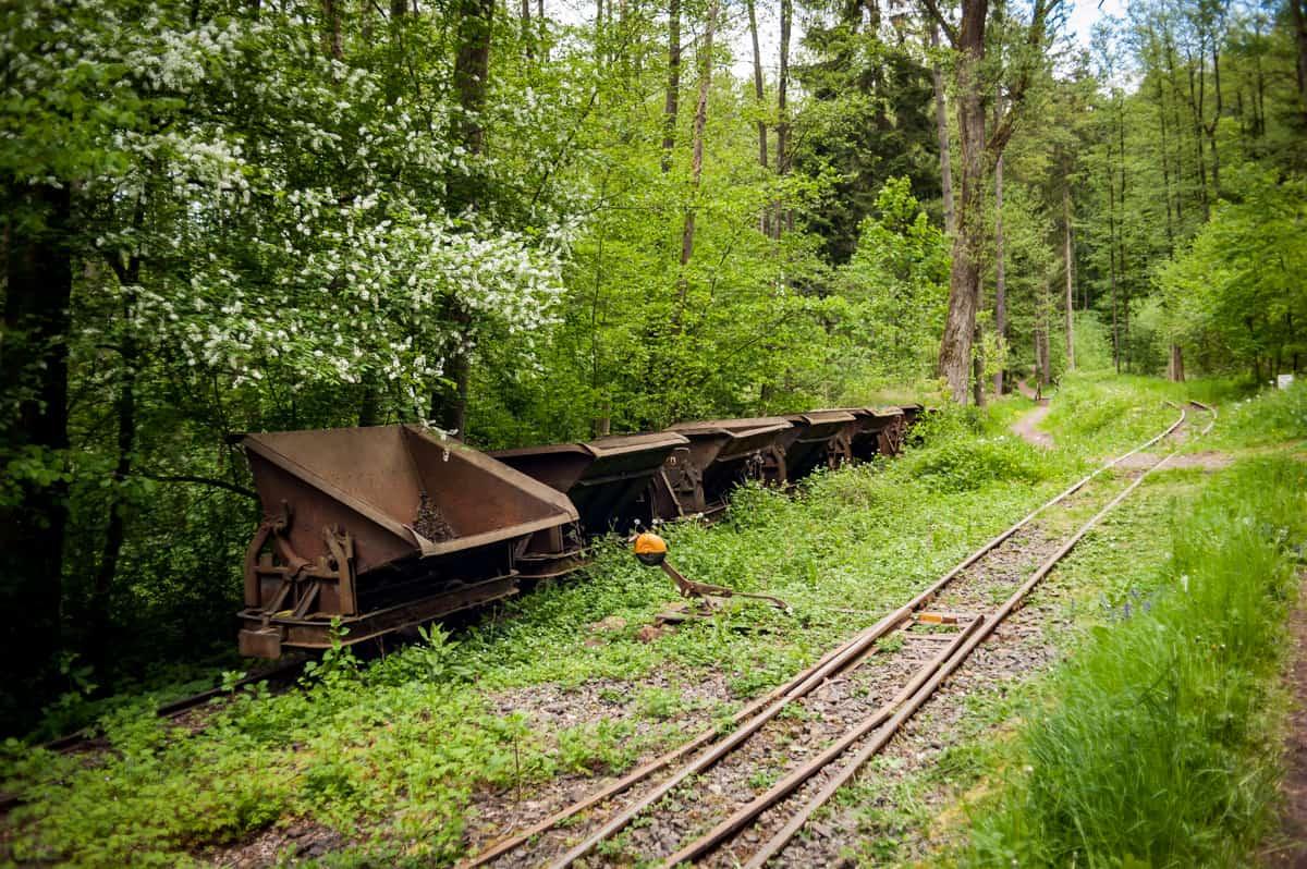 Abgestellter Güterzug im Haltepunkt Bockbachtal