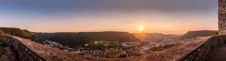 Panorama auf Geislingen an der Steige vom Helfenstein