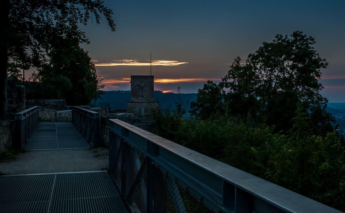 Blick in den Sonnenuntergang, Helfenstein