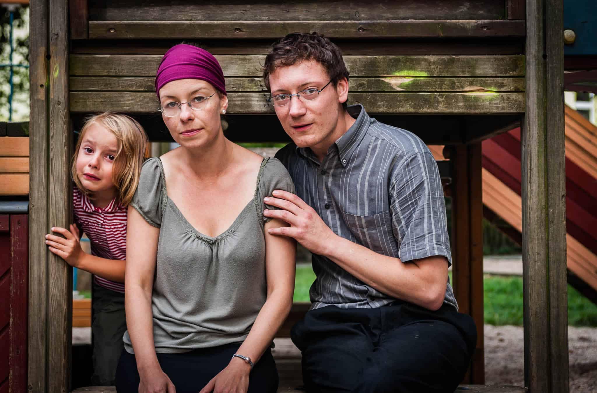 Junge Familie, ernste Situation, Pentacon 29mm 2.8