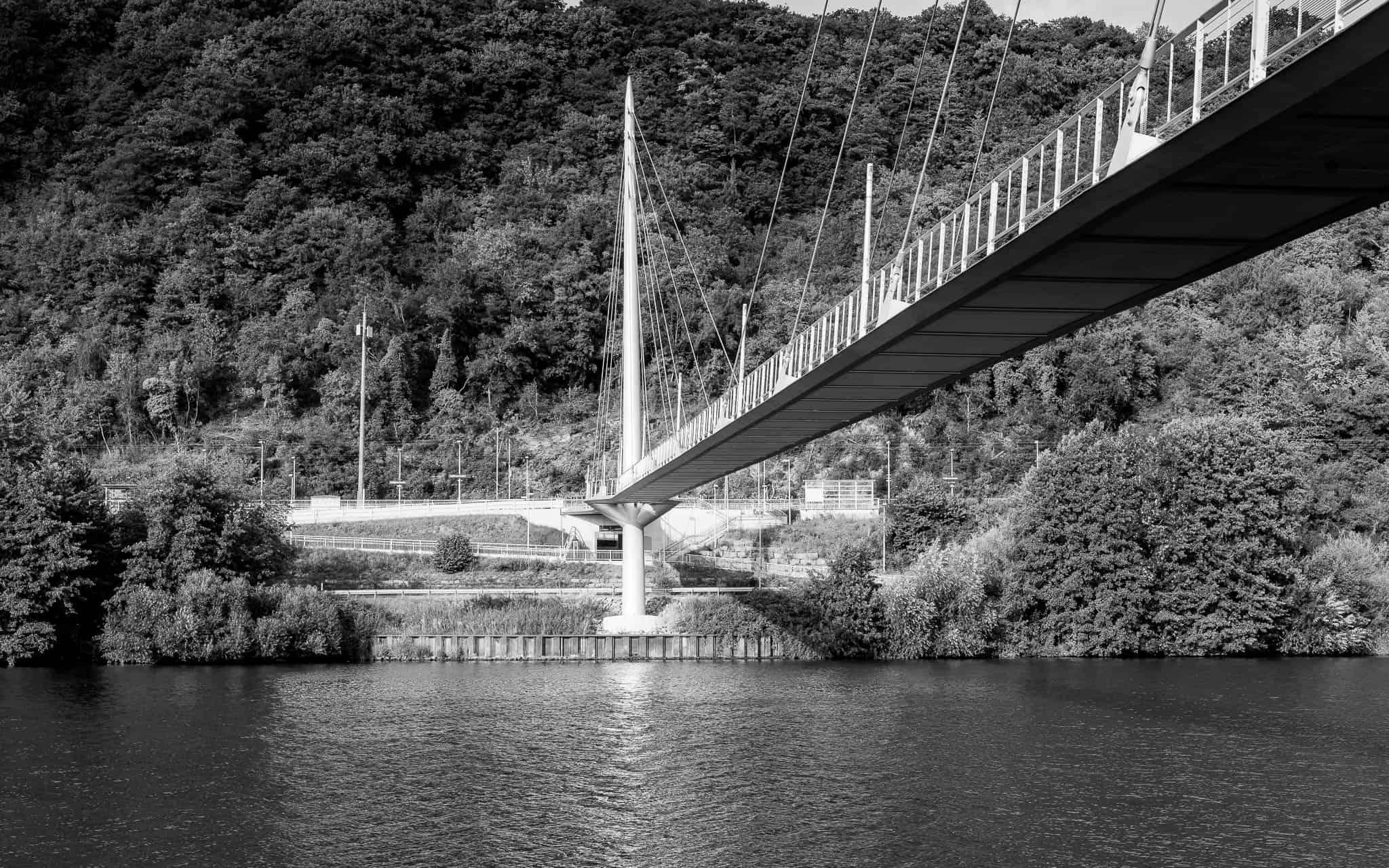 moderne Brücke, digital fotografiert