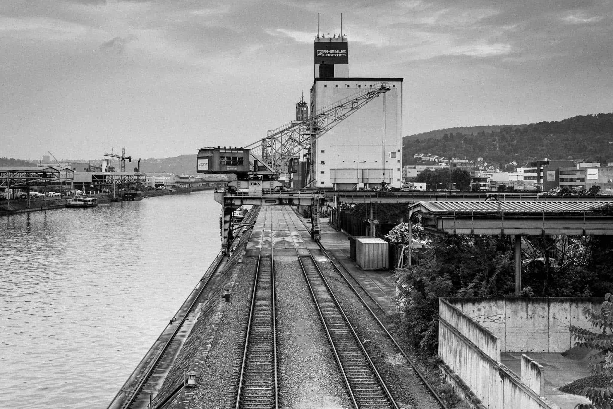 Neckarhafen, Gleise, symetrische Linien